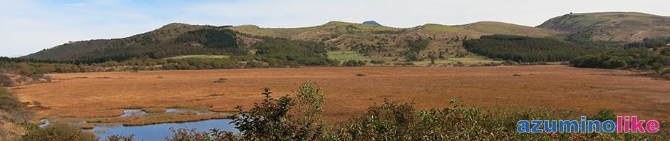 2017/10/5【霧が峰・八島湿原】紅葉とは雰囲気の異なる湿地帯の草原風景の先には蓼科山と右隅に車山山頂のドームが小さく見えます。秋らしい風情ですね。