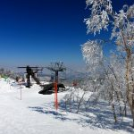 ⑥ 奥志賀高原の最上部:今回は焼額山からの連絡路を歩いてここに来ました。霧氷がとても綺麗です。さすがに寒い!