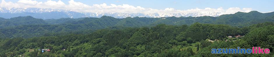 2018/6/2【 小川村・アルプス展望デッキ】戸隠方面にドライブ中に立ち寄った高原から見たアルプスの眺望です。近くには人家もあって山とのコントラストも秀美でした。