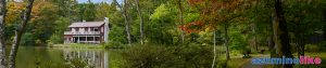2020/10/5【軽井沢塩沢湖のほとり】軽井沢の紅葉の名所の一つ、塩沢湖の湖畔を周遊し、深まる秋の紅葉と静謐な美術館を楽しみました。